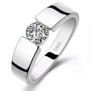Stunning! diamond style wedding or engagement Ring